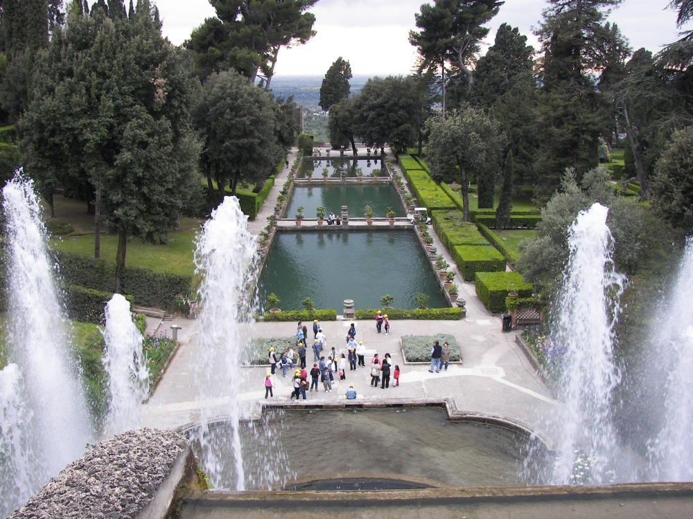Villa_d'Este_fountain_and_pools