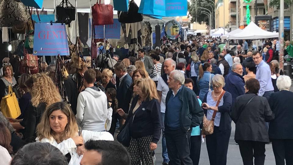 Gli-Ambulanti-di-Forte-dei-Marmi-domenica-8-ottobre-2017-Roma.jpg