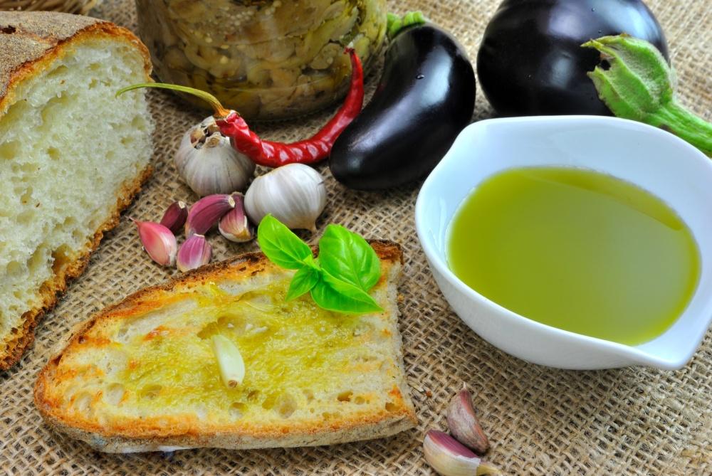 Bruschetta con aglio e olio d'oliva