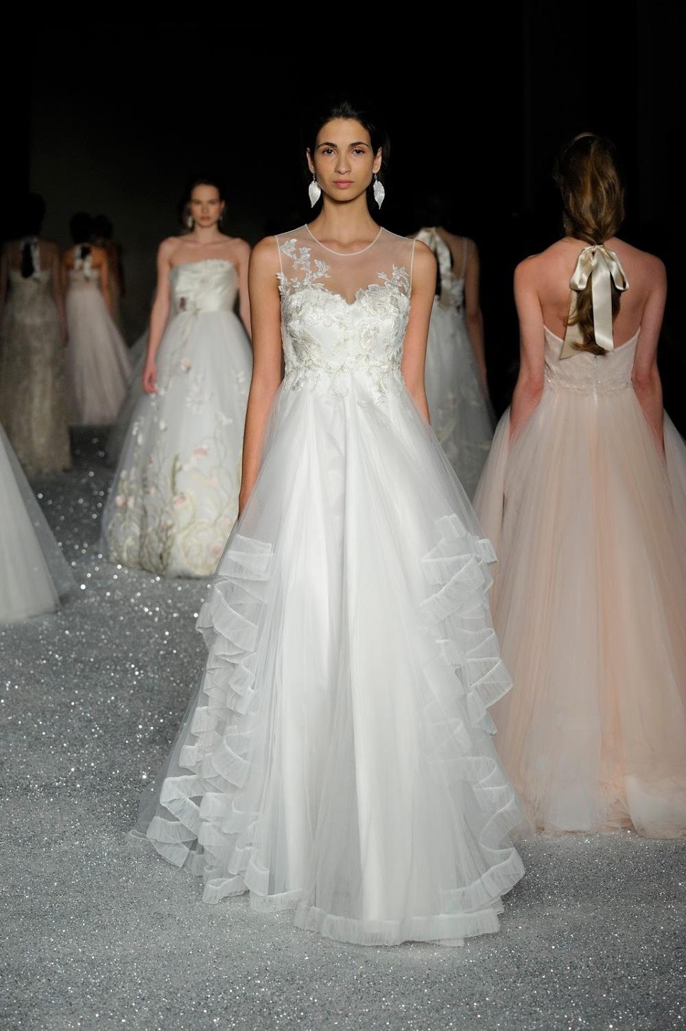 abito da sposa accollato trasparenza.JPG