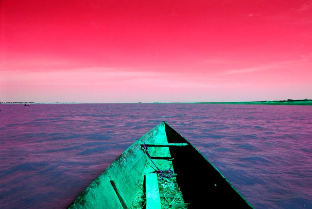 Mali Niger boat red.jpg