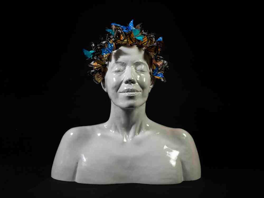 _RvB Arts_Dalila Belato_Butterfly in the mind_resina_2018_50x50x30cm